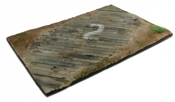 Scenics Diorama Bases: 31x21cm Wooden airfield surface