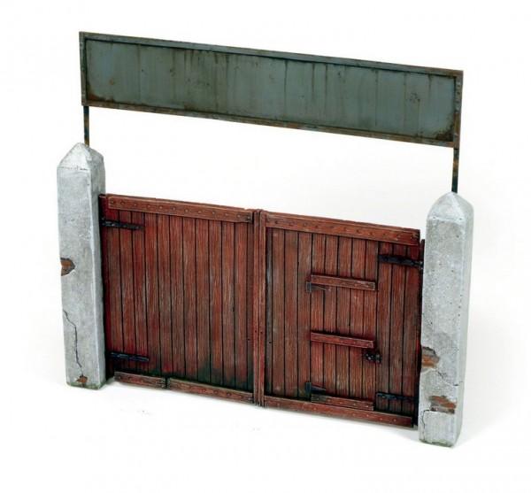 Village Gate 15x15